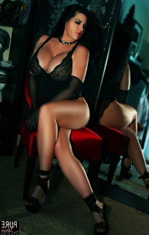 Sylvanise latina live escorts in Forest Acres