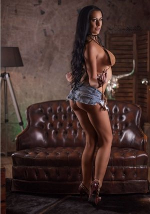 Zazie latina outcall escort